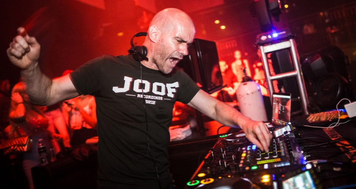 3 Tips For Playing Long DJ Sets Like A Pro, From John 00 Fleming